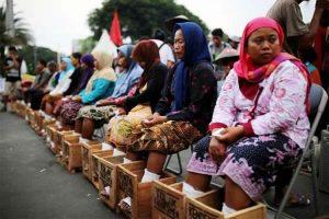 Herman Khaeron Petani dan Pabrik Semen Harus Duduk Bersama