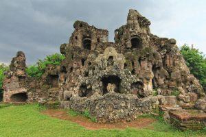 Enam Tempat Ngabuburit Asyik di Cirebon - Gua