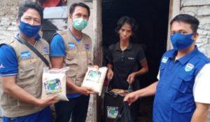 Hero Center Berikan Bantuan Sembako ke Keluarga Inah Warga Pesantren Kalijaga