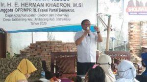 Herman Khaeron Bagikan Wifi Gratis di Desa Jatibarang Baru Indramayu, Dorong Anak Muda Lebih Kreatif,